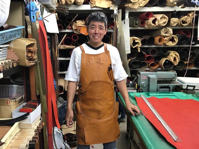 作り手:鈴木のキャメルエプロン