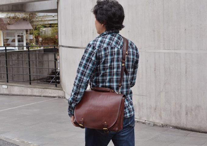 スタッフ愛用品本店作り手:間所「ナレッジバッグ・KNOWLEDGE BAG」 愛用法1