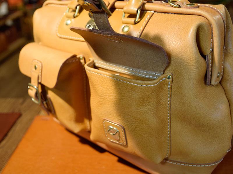 田中の旅モノボストンバッグ 前面ポケット