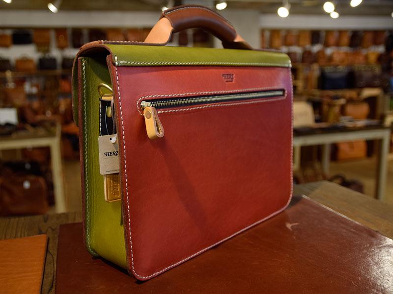 学生鞄風・2wayビジネスバッグ(BC-16)のスーパーカラー 後面