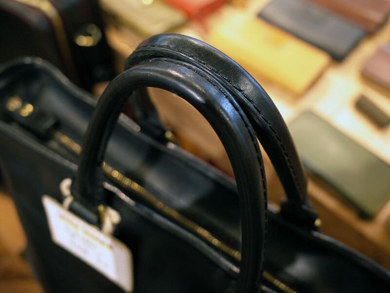 黒革の鞄2