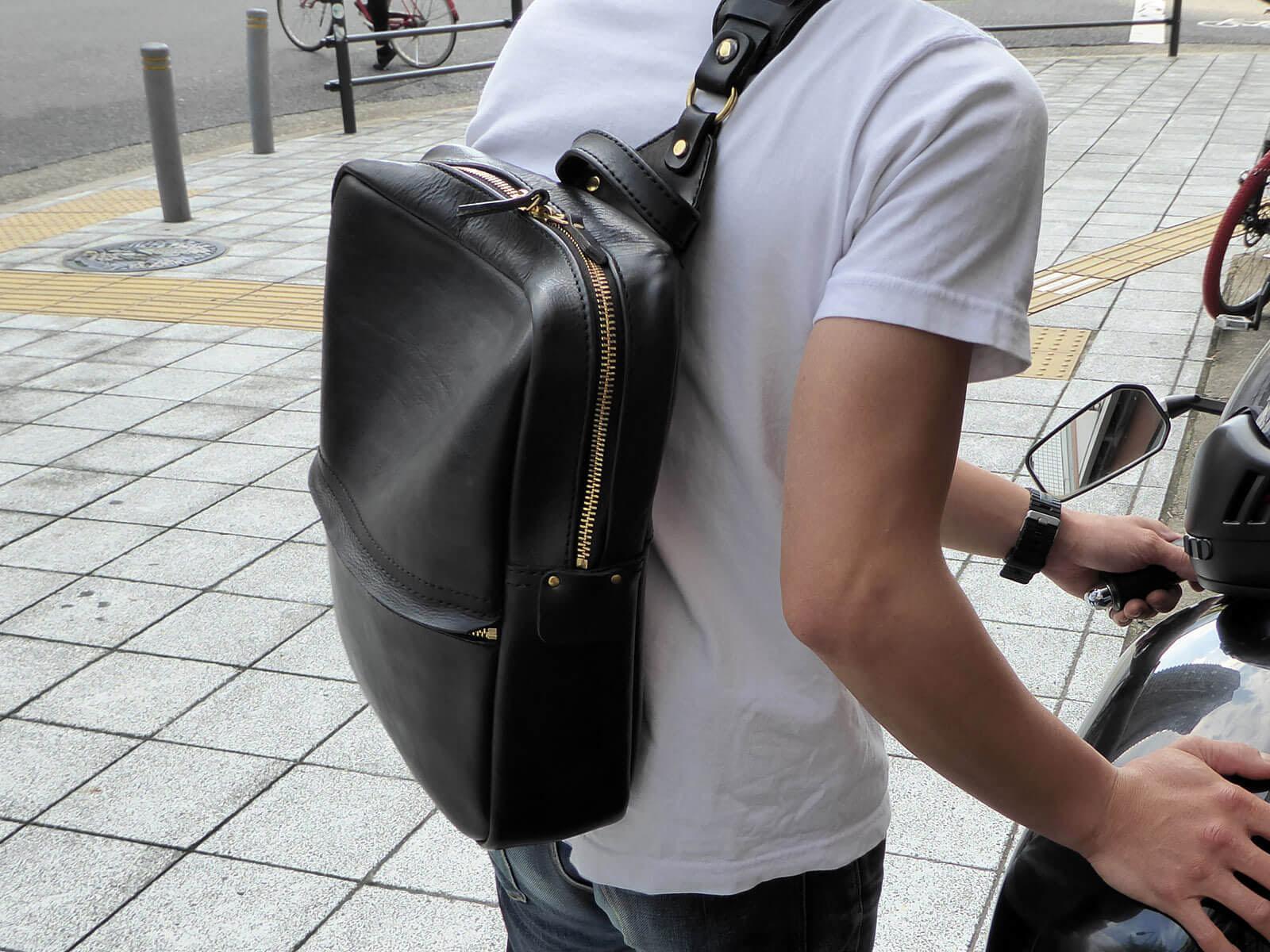ドラマ『嫌われる勇気』にHERZのバッグが使用されています