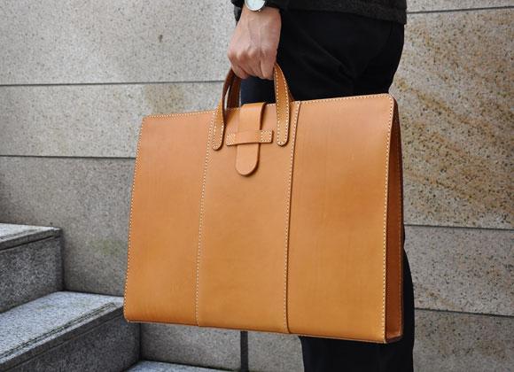 A3サイズ対応の書類鞄