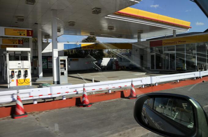 国道沿いのガソリンスタンド