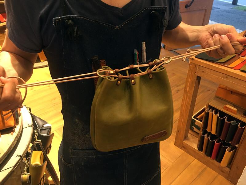 革製巾着袋(信玄袋)革紐