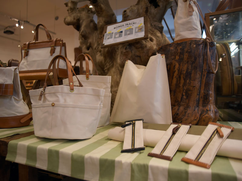 キナリ×キャメルの鞄たち