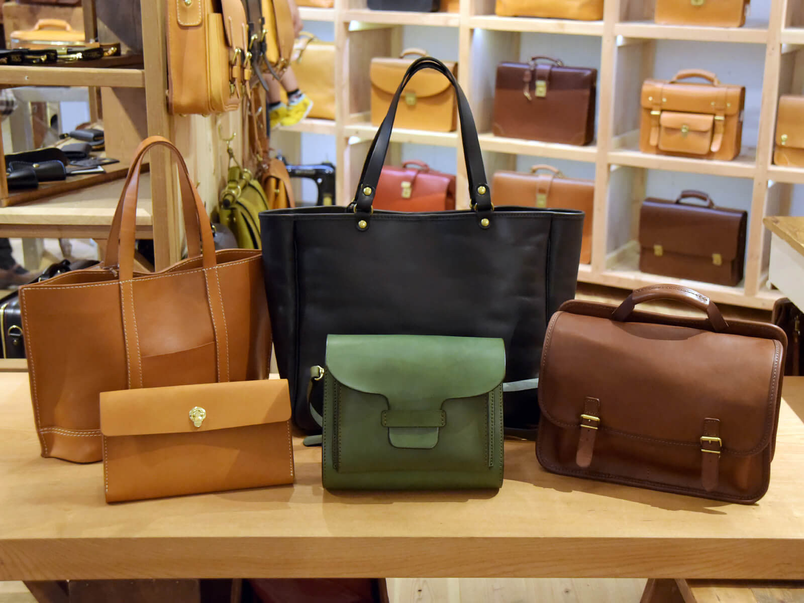 FACTORY SHOPのサンプル鞄たちを大放出!!