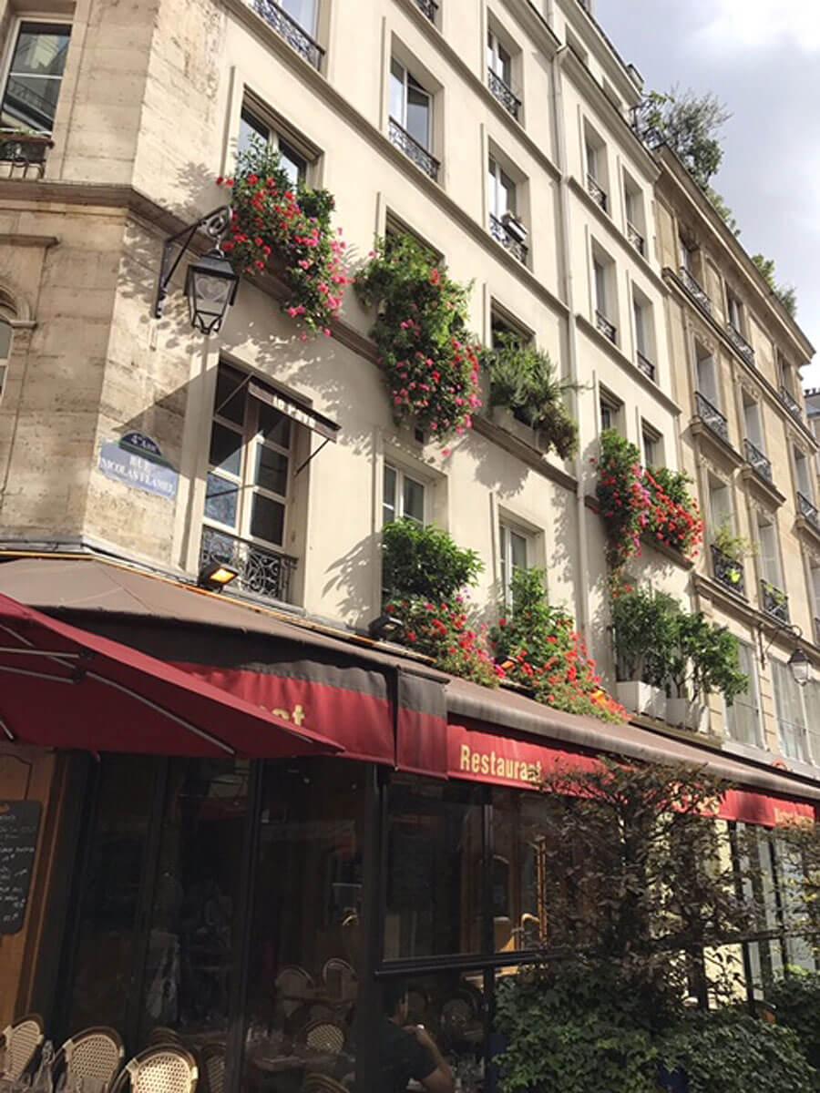 7パリの街並み