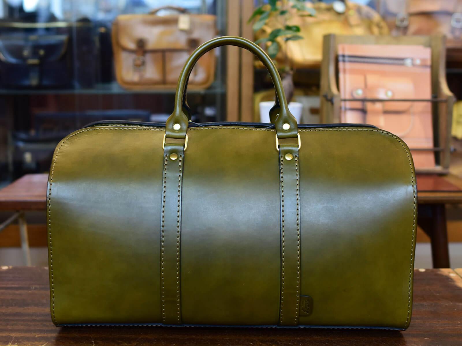 『BORDER 衝動~検視官・比嘉ミカ~』にボストンバッグが使用されています
