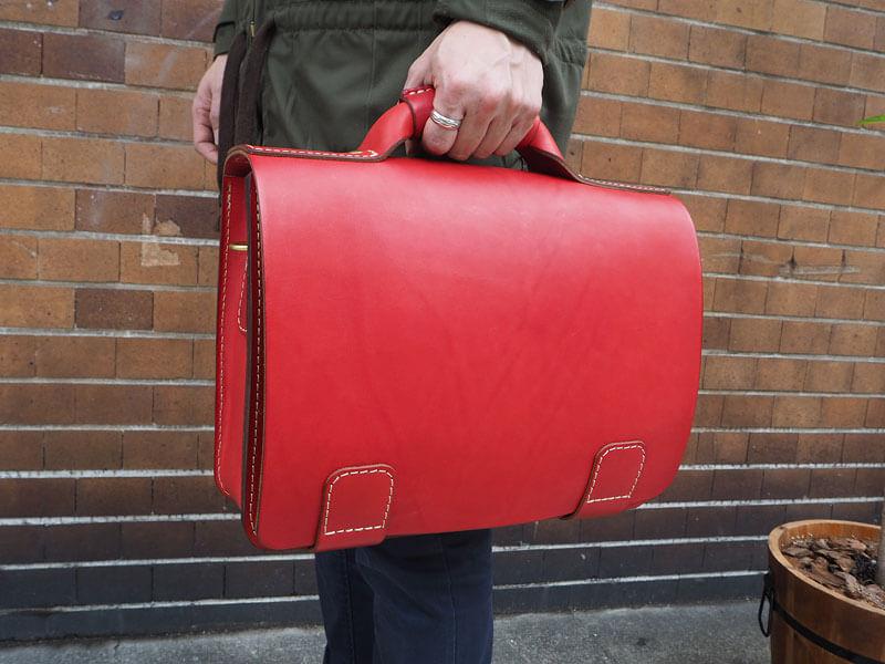 総かぶせ・横型2wayビジネスバッグ(BC-13-L) 手持ち2