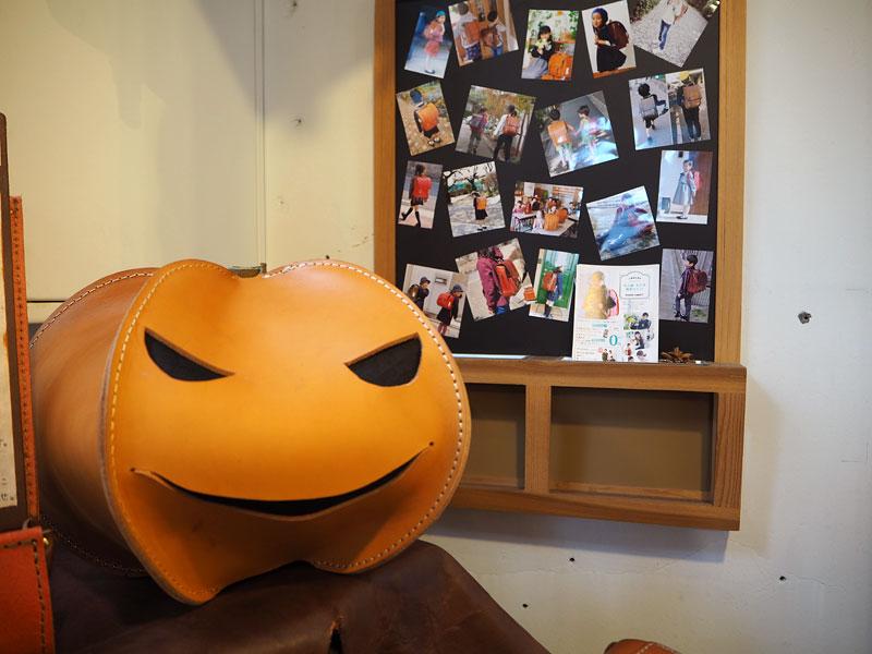 大阪店のカボチャディスプレイ