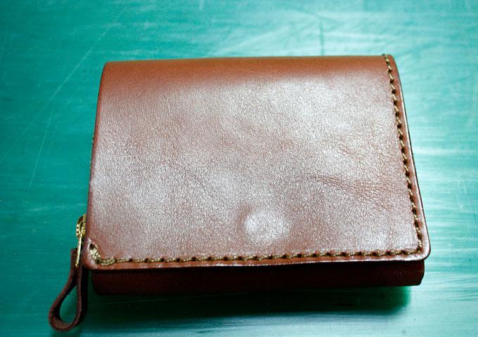 新品の小型の二つ折り財布(WS-64)