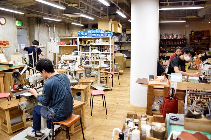 名古屋店2周年記念の準備も進んでいます