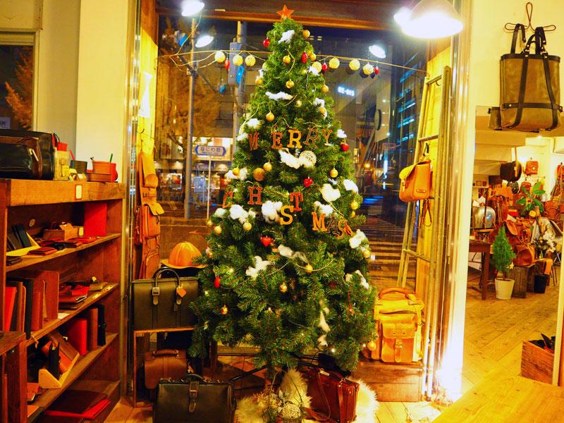 大阪店のクリスマスツリー