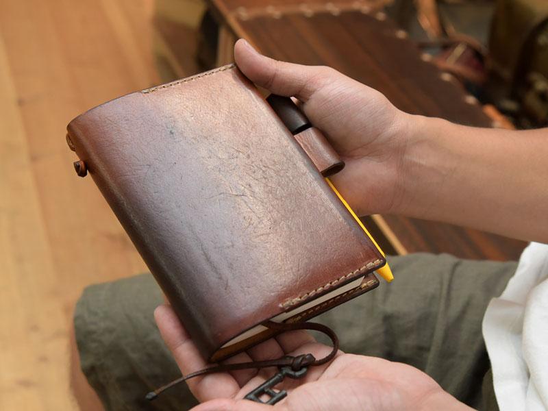 小野寺愛用のほぼ日手帳カバー