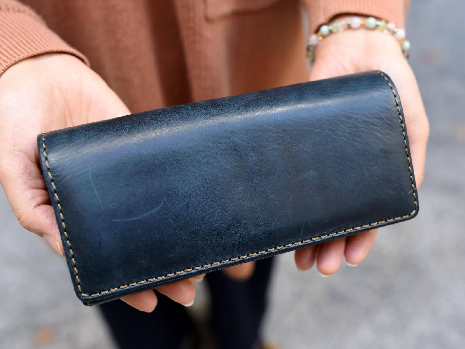 ミッスーリネイビーの長財布を使ってみて