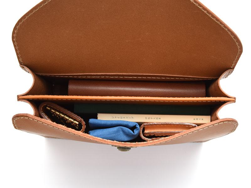 フラップセカンドバッグ・仕切り付き(S-1) 収納例