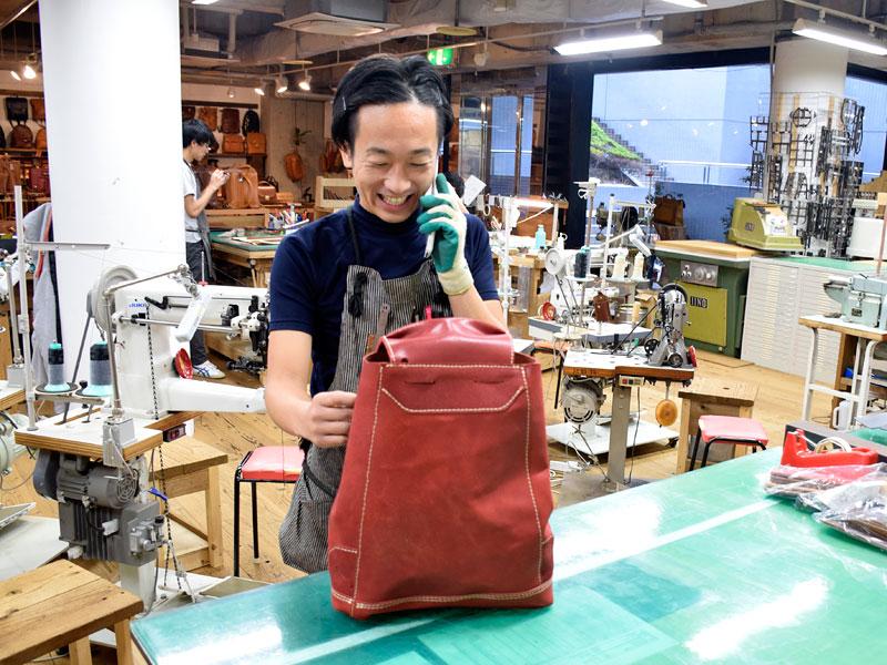 作り手:袴田の鞄試作風景2