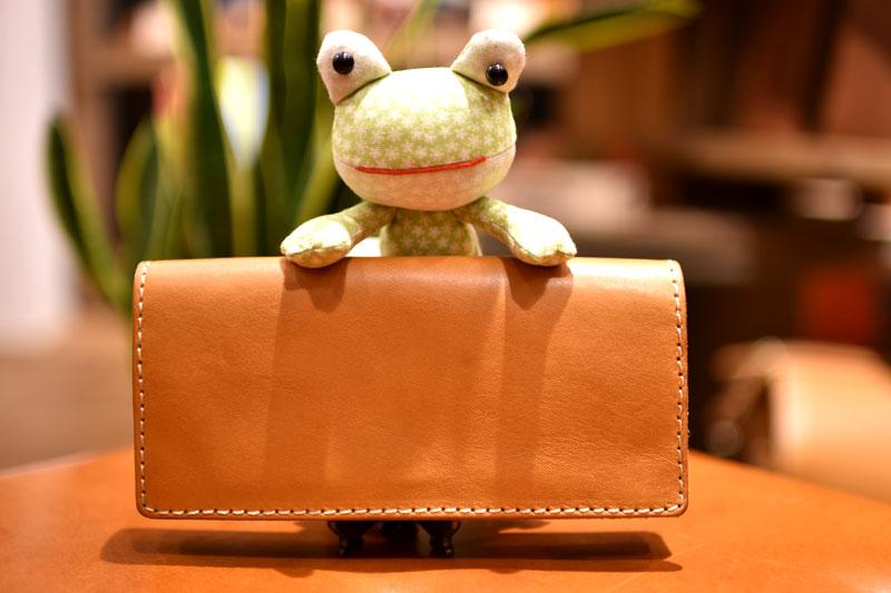 カードポケットが多く、使い勝手抜群の長財布