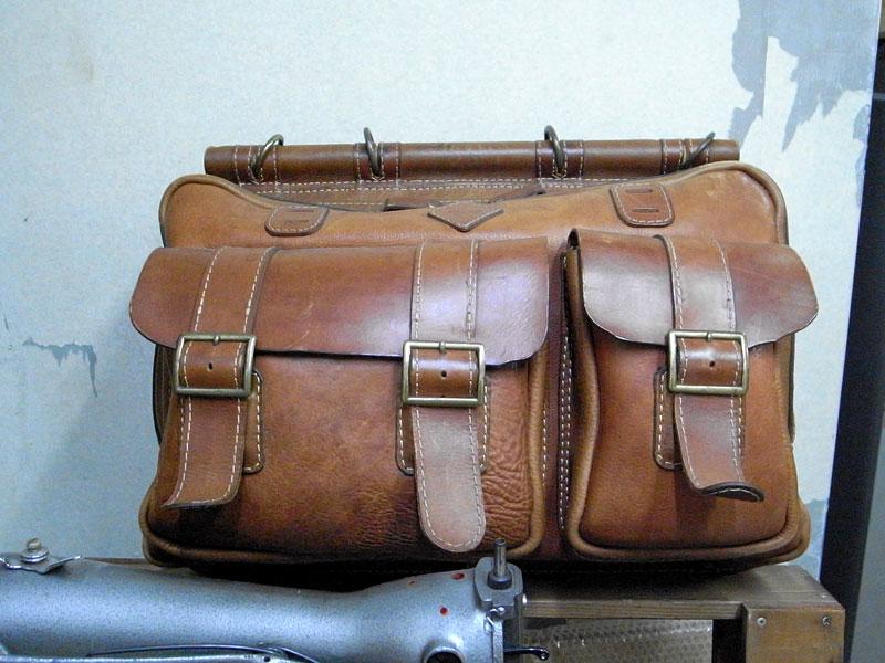 創業当時の鞄