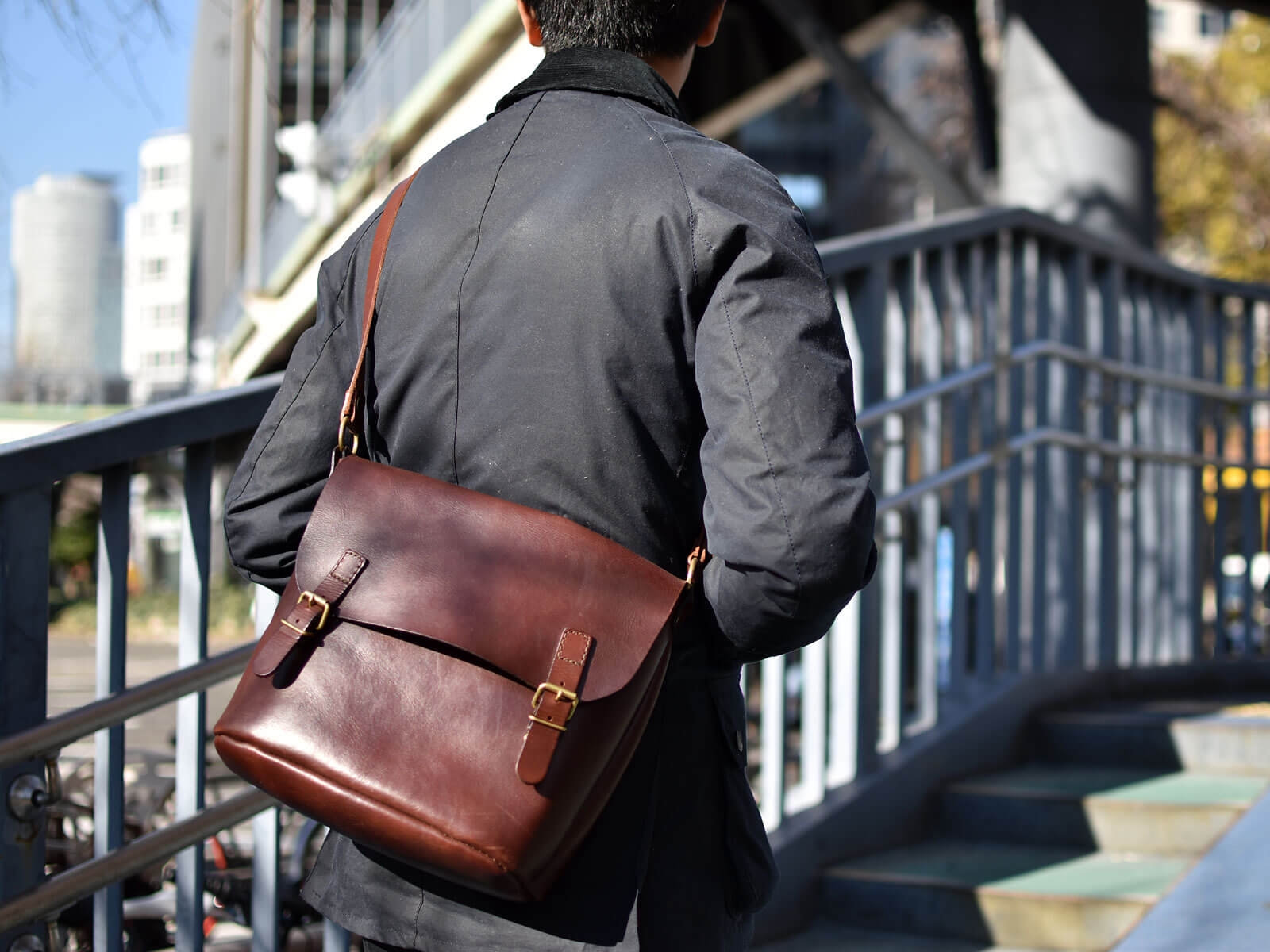 名古屋店作り手:田中愛用「二本ベルトのショルダーバッグ」