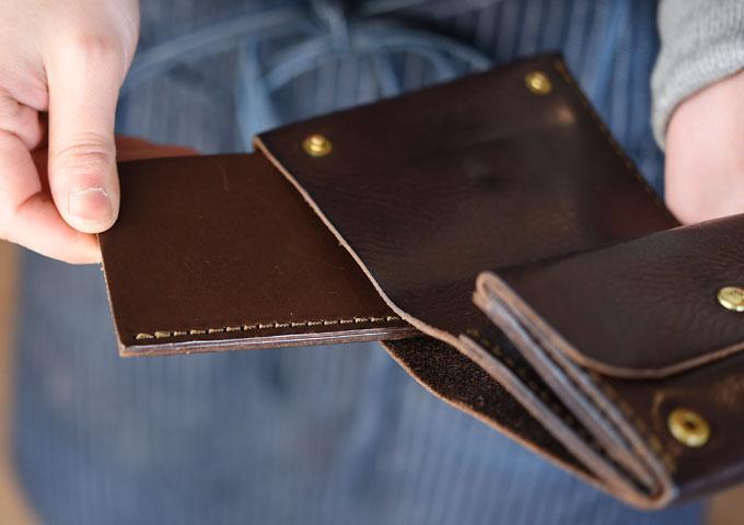 小型のマチ付き二つ折り財布(GS-15) 愛用方法6