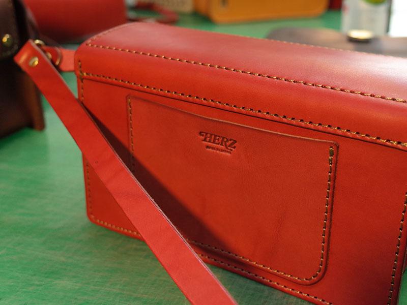厚革のバッグ企画