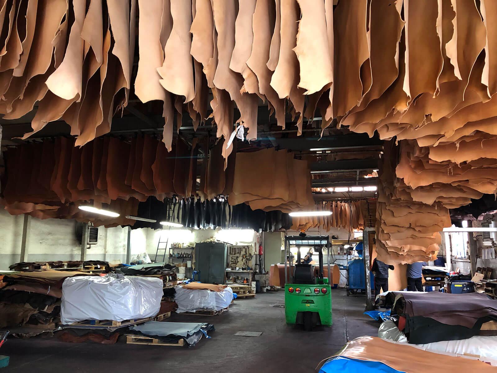 HERZオリジナルレザーの製造現場をご紹介