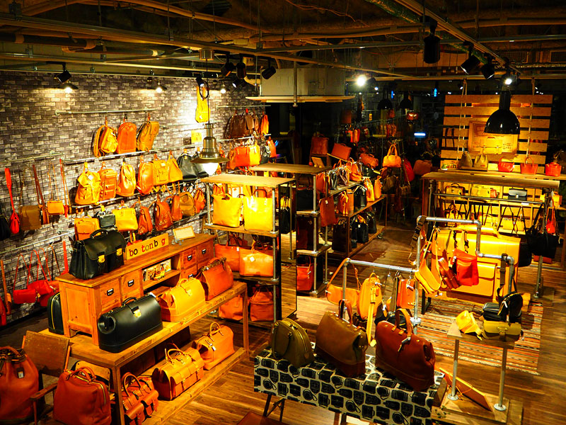 新しい大阪店の店内風景1