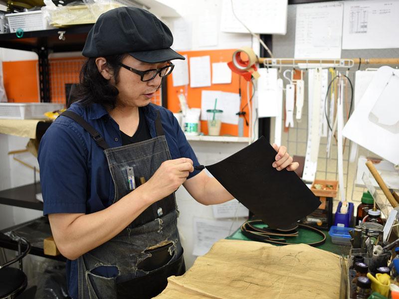 作り手の佐藤に話を聞きました