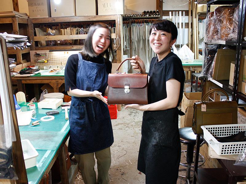 青木と鈴木とアオリノハンドバッグ4