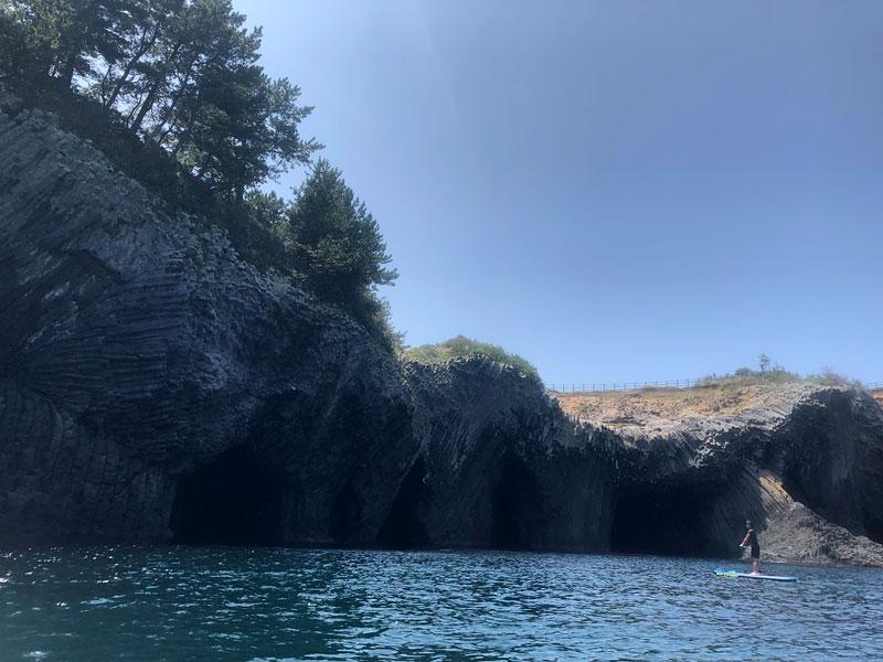七ツ釜という洞窟