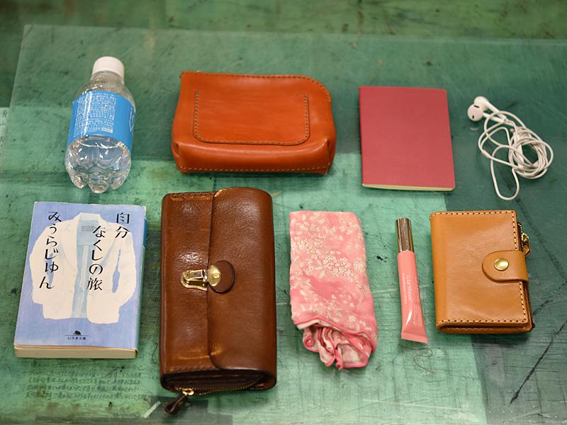 WALL handbag収納例の内容物