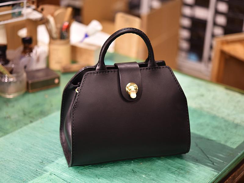 WALL handbag完成形