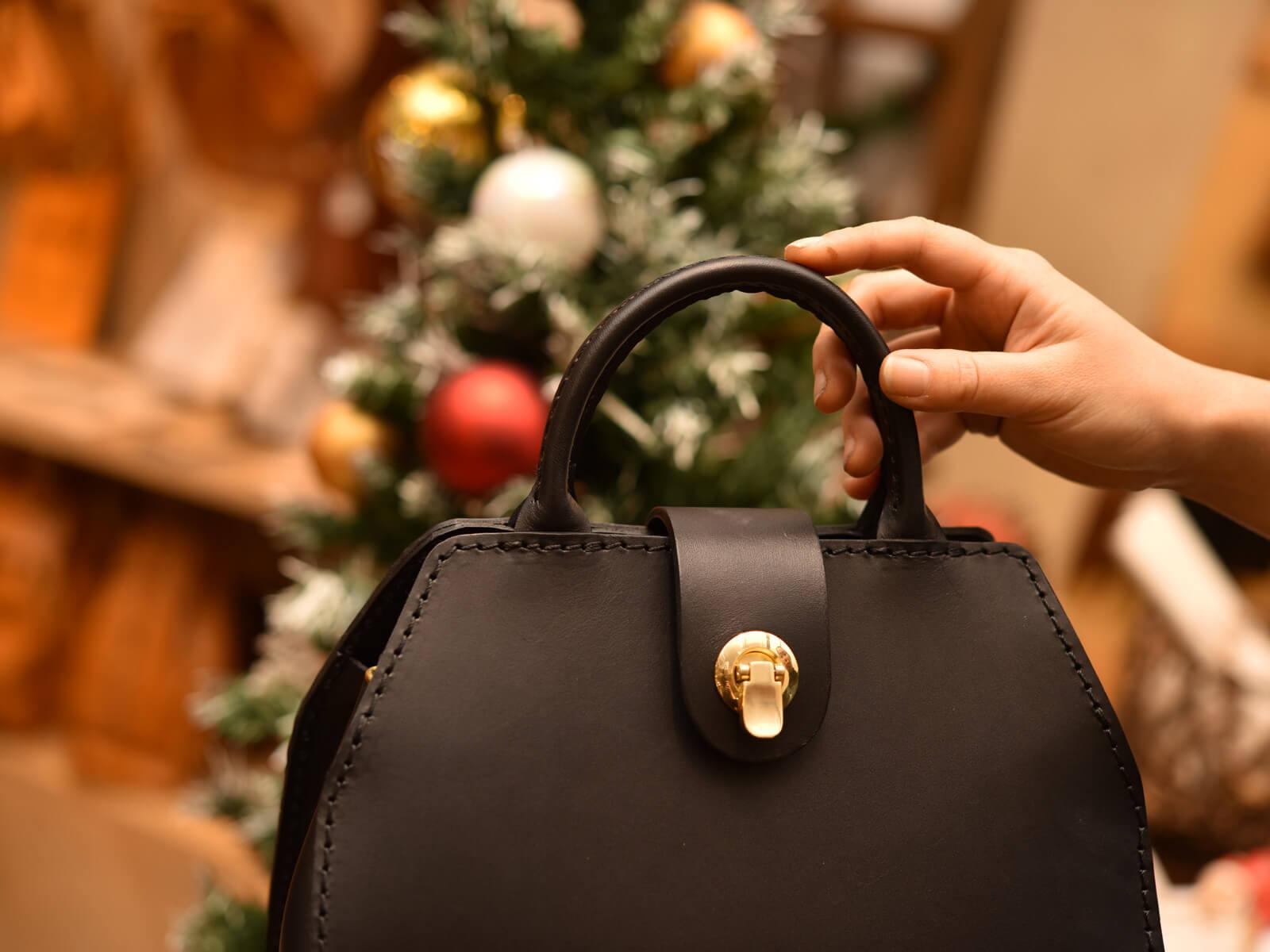 WALL handbag(ウォールハンドバッグ)、発売します!!
