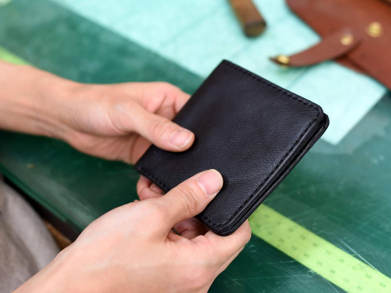 フォーマルにも使えそうなスリム財布を試作中