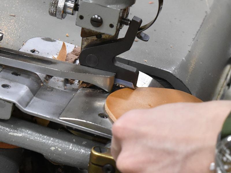 実際の漉き作業1