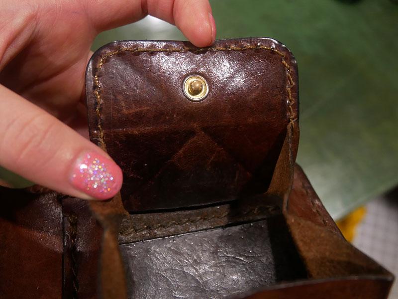 二つ折り財布(WS-8) チョコのエイジング11