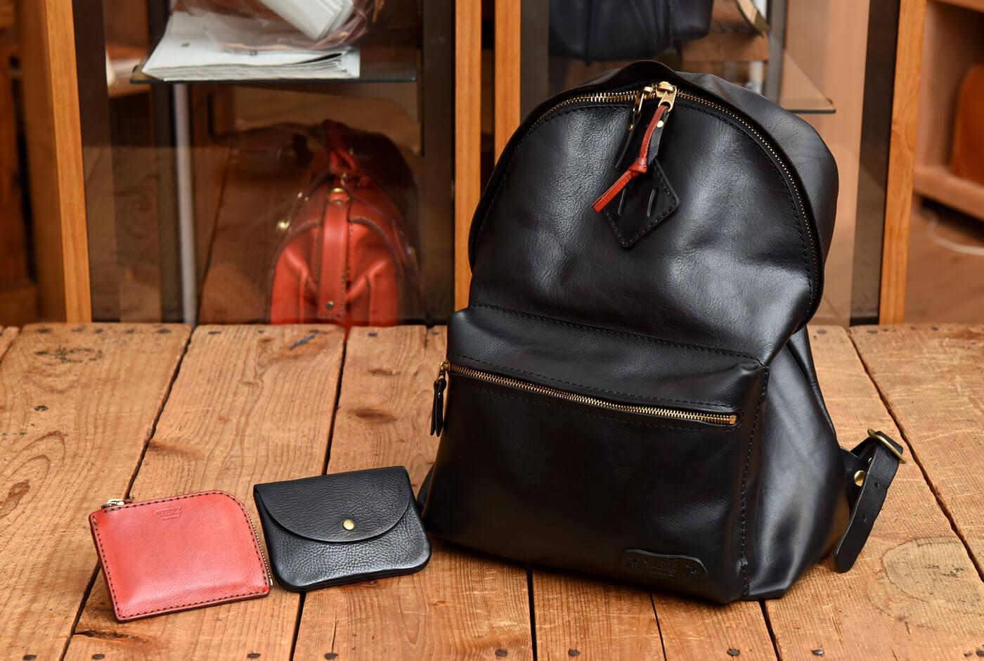 斎藤愛用のバッグと小物はこちら