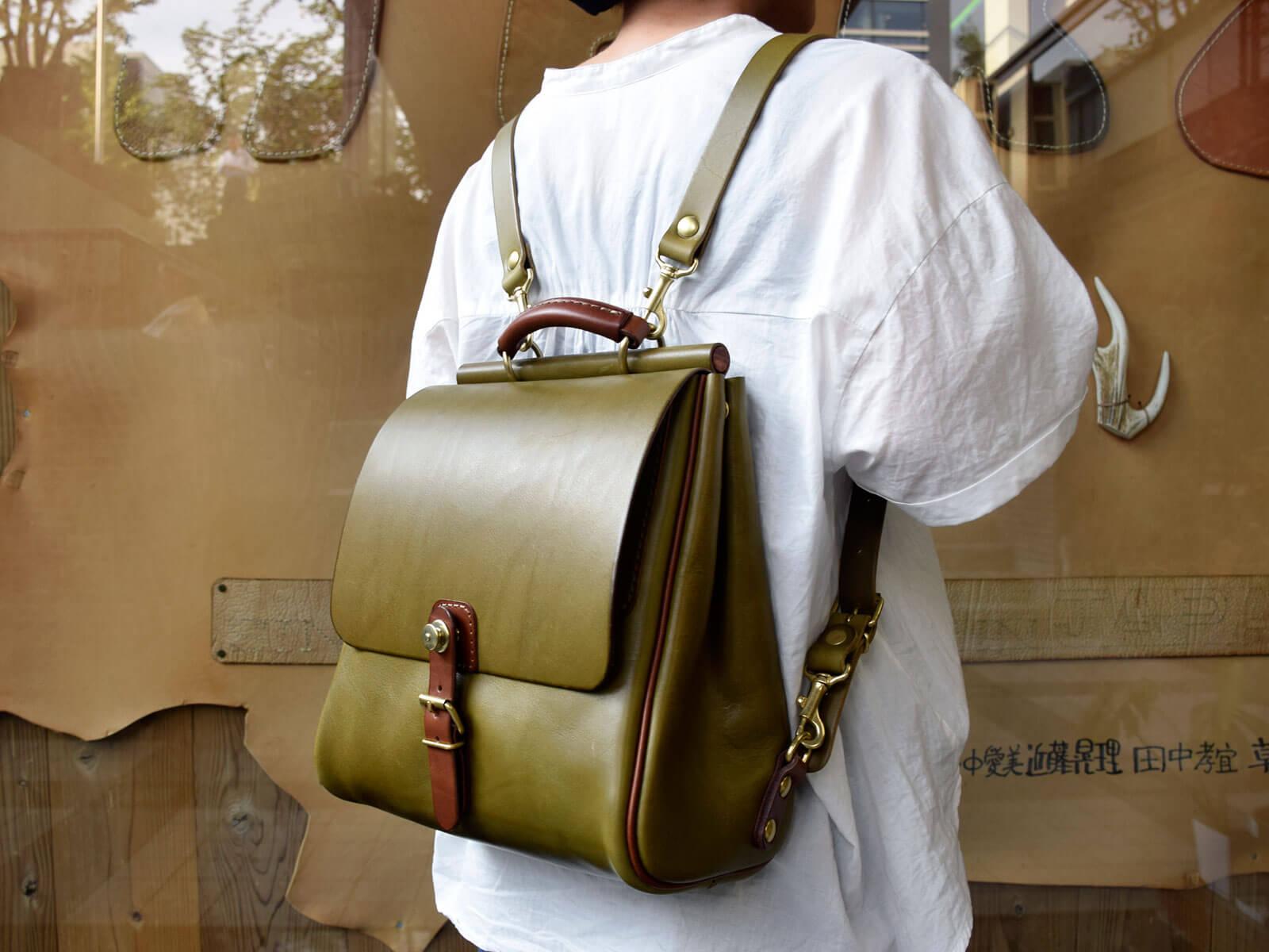 夏服にも合わせやすい!グリーン革メインのツートンバッグを作りました