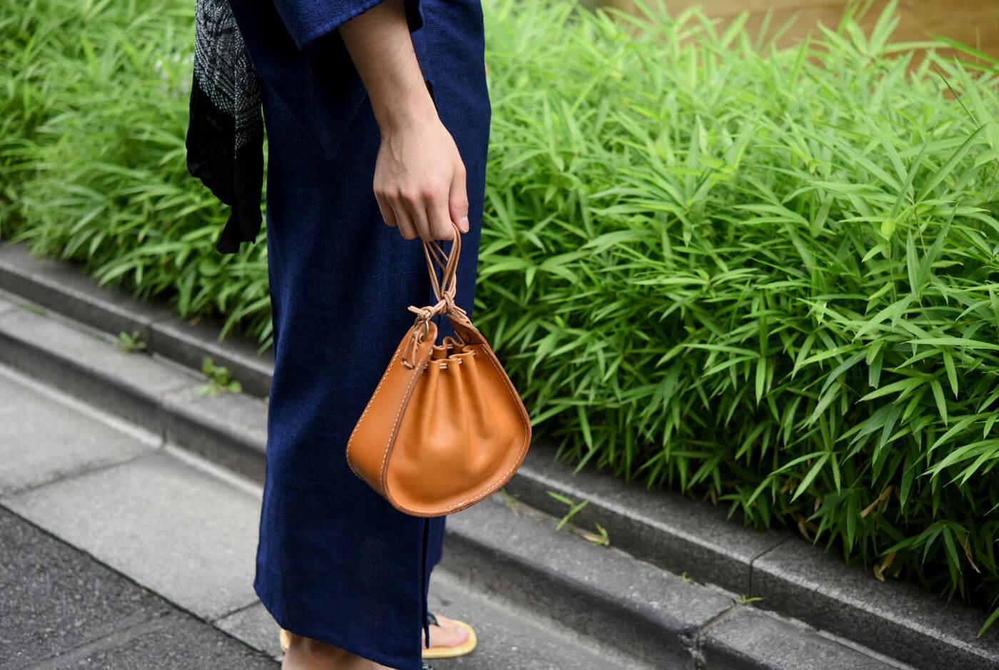 巾着鞄(Q-27) メンズ着用