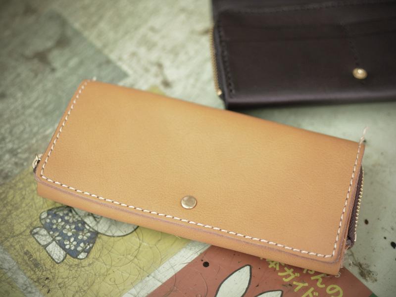 サンプル当時の小銭が見やすい長財布