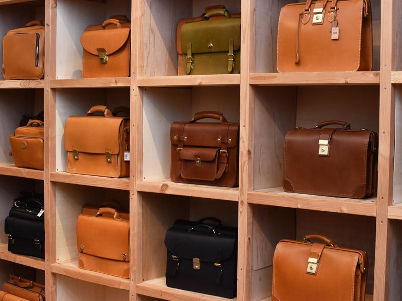 ヘルツのビジネスバッグたち