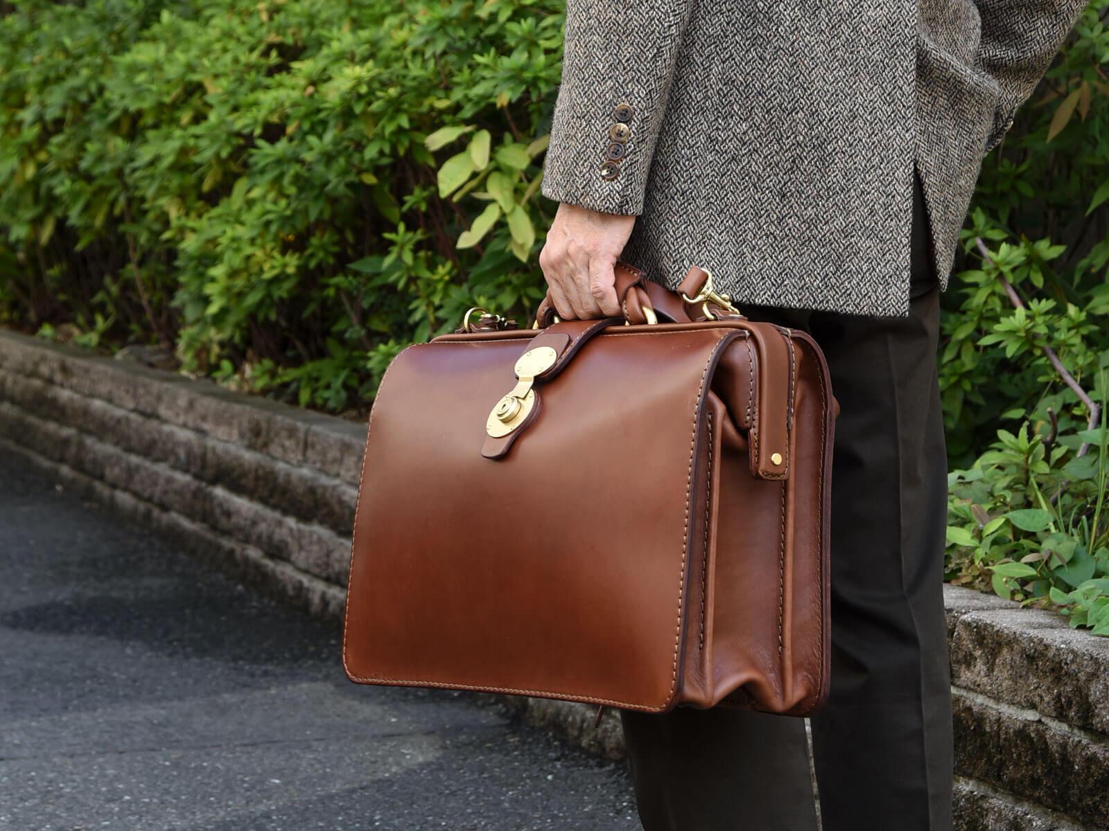 ドラマ「リーガル・ハート~いのちの再建弁護士~」にダレスバッグが使用されています