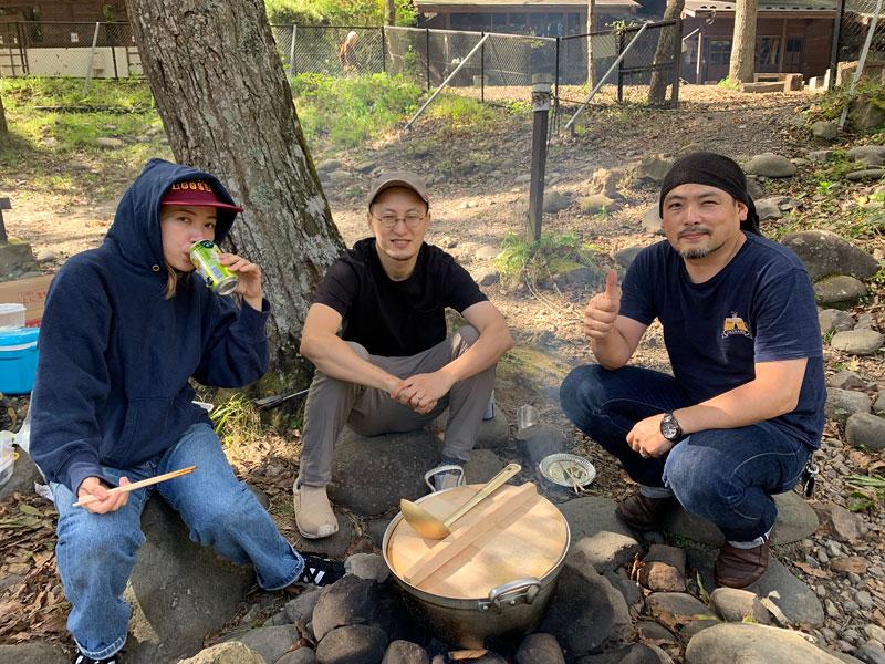 仙台店のメンバーで芋煮会3