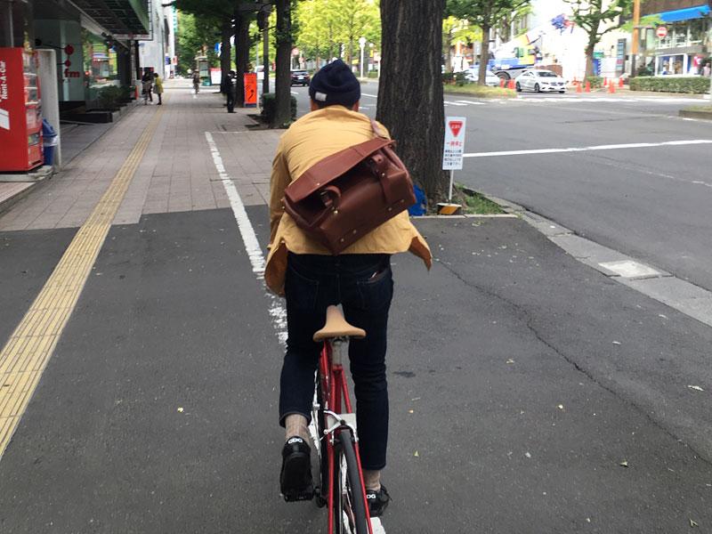 メッセンジャーバッグ(CM-100) 自転車乗り