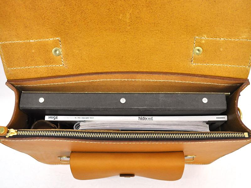 学生鞄風・2wayビジネスバッグ(BC-16)の収納例