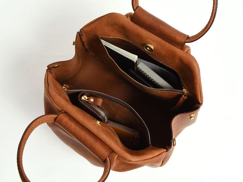 タックハンドバッグ(TB-1928)内ポケットの様子