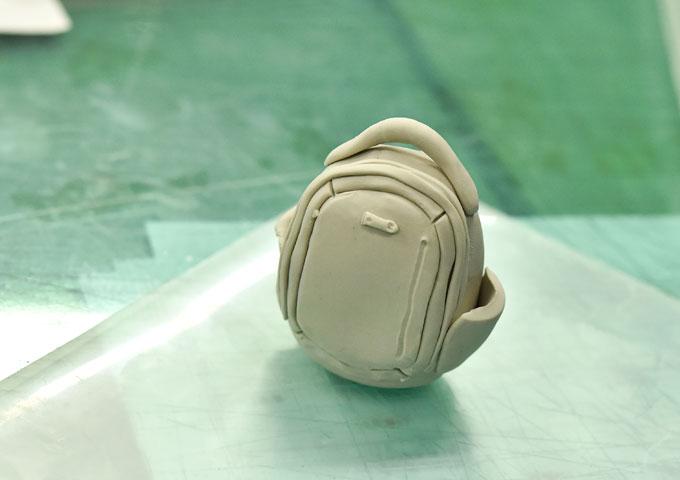 粘土で造形1