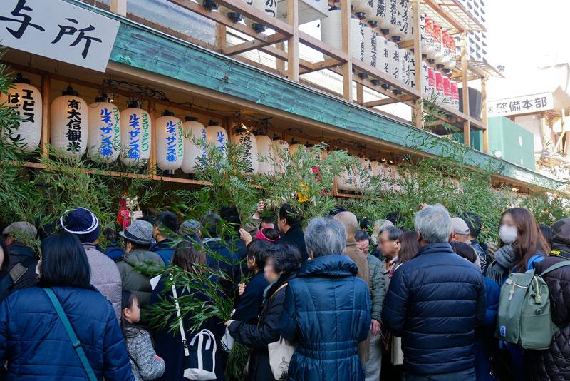 今宮戎神社の長い行列